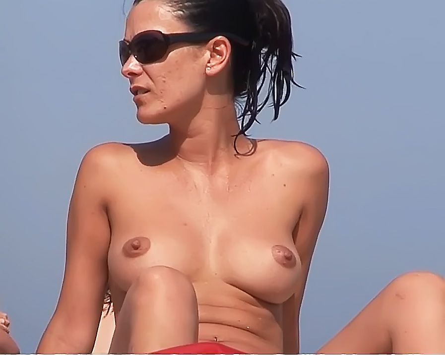 Jiggling Tits And Round Asses On The Nude Beach Candid Voyeur Videos
