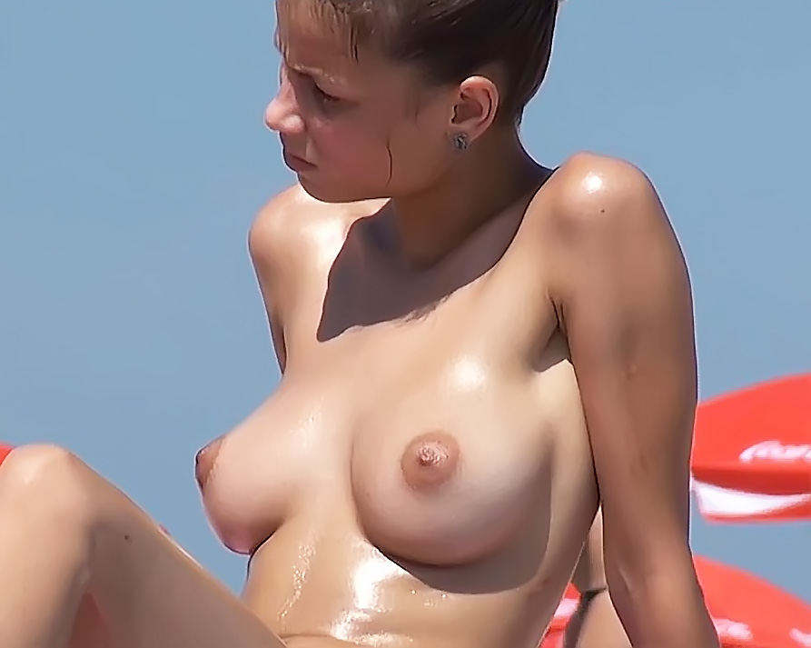 Topless Wife: *Sp At A Non Nude Beach