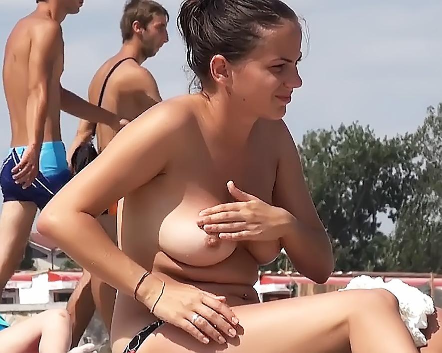 Madame Sans Bra