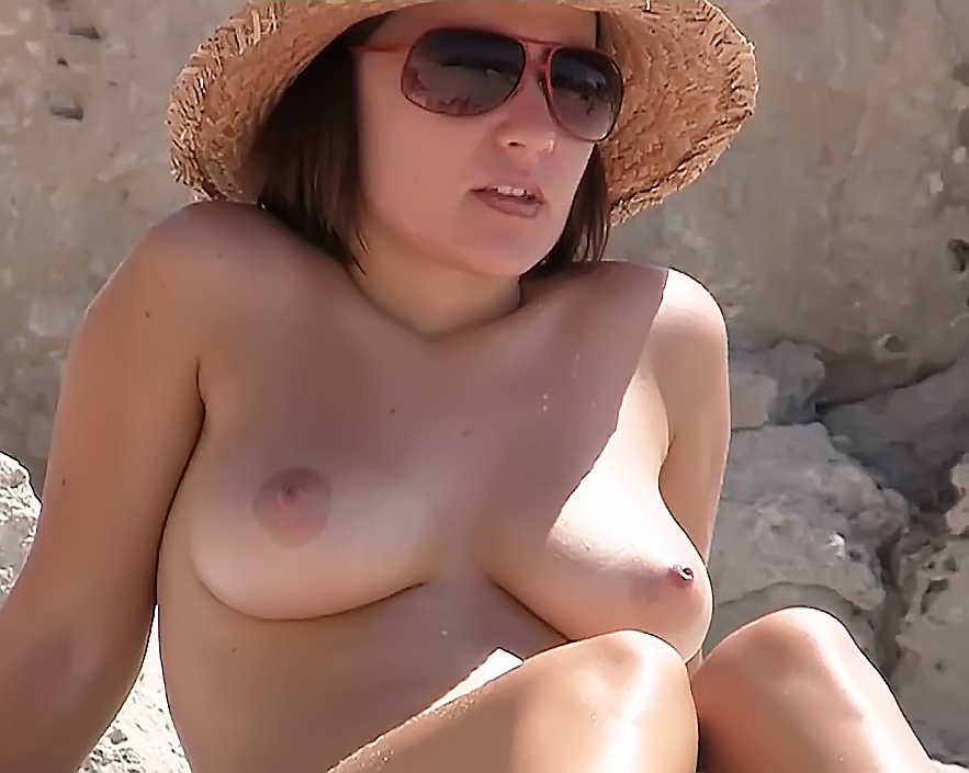 Bare-Chested Beauties From Bulgarian Plage
