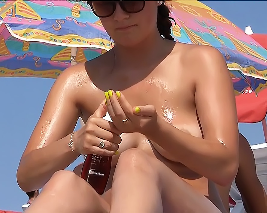 Stripped To The Waist Wife: Wife In Bed On The Plage