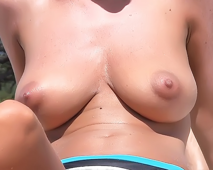 Voyeur Strand Nudity With Hot Teen Babes Bare-Breasted