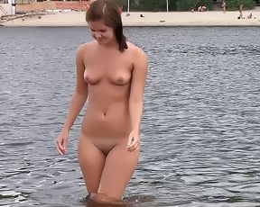 Nude Beach - Hot girl Vertical Smiles