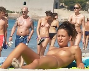 I LOVE TO GO ON NUDE STRAND AND SEE ASSES AND PUSSIES.