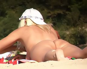 Cumming at the nude plage 3