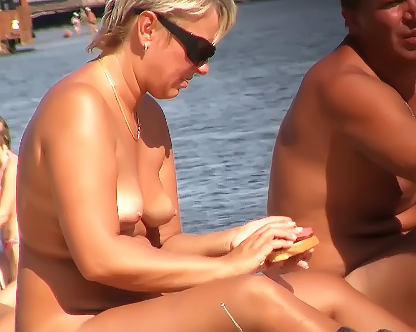 A nudist concentration in San Sebastian 2