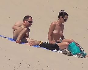 a few shots from the damsel who was in front of me in my favourite naturist plage. 2