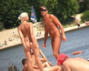Candid young girl naked on the nude beach in public! 3