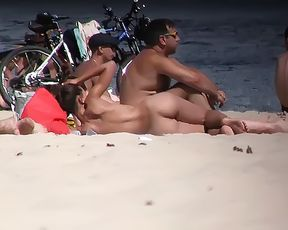 a few shots from the dame who was in front of me in my favourite naturist plage. 3