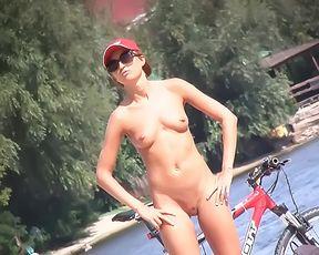 Nude Strand - Aussie doll 3