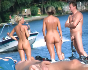 Shots from a visit to a nude plage. Lots of people around